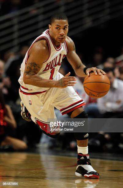 Derrick Rose of the Chicago Bulls brings the ball up court against the Houston Rockets at the United Center on March 22 2010 in Chicago Illinois The...