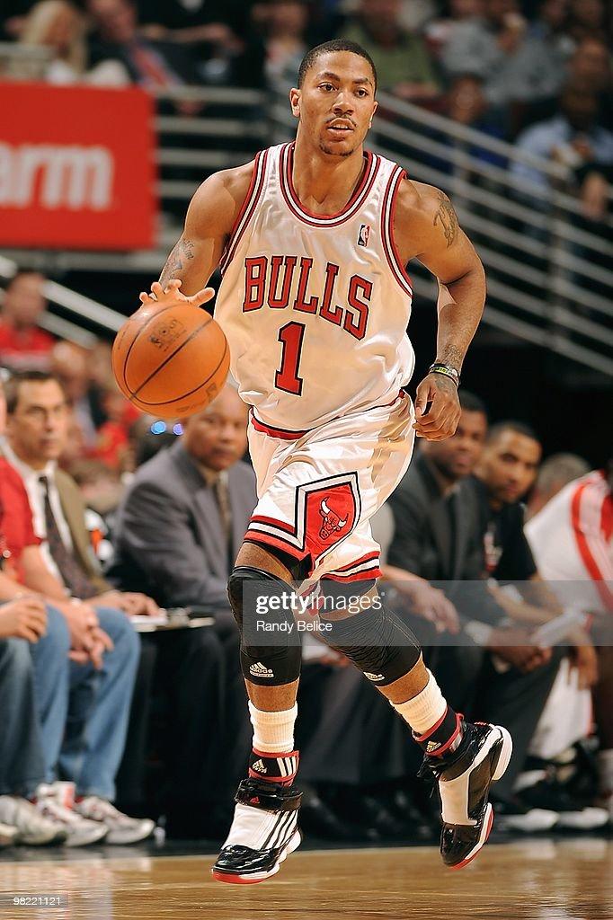 Derrick Rose of the Chicago Bulls brings the ball upcourt
