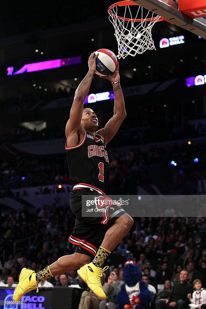 55d75f6b1729 Derrick Rose of the Chicago Bulls competes in the Taco Bell Skills ...