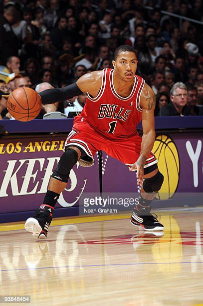 Derrick Rose of the Chicago Bulls makes a move with the ball during the game against the Los Angeles Lakers at Staples Center on November 19 2009 in...