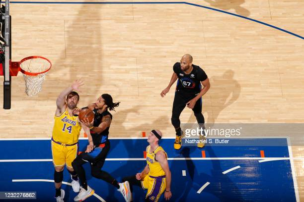 Derrick Rose of the New York Knicks drives to the basket during the game against the Los Angeles Lakers on April 12, 2021 at Madison Square Garden in...