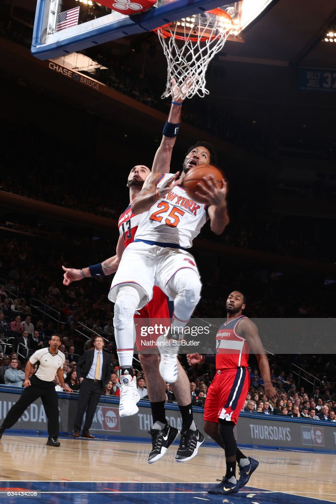 Derrick Rose #25 of the New York Knicks goes up for a shot during a game against the Washington Wizards on January 19, 2017 at Madison Square Garden in New York City, New York.