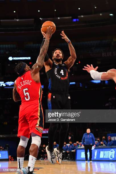 Derrick Rose of the New York Knicks shoots the ball against the New Orleans Pelicans on April 18, 2021 at Madison Square Garden in New York City, New...