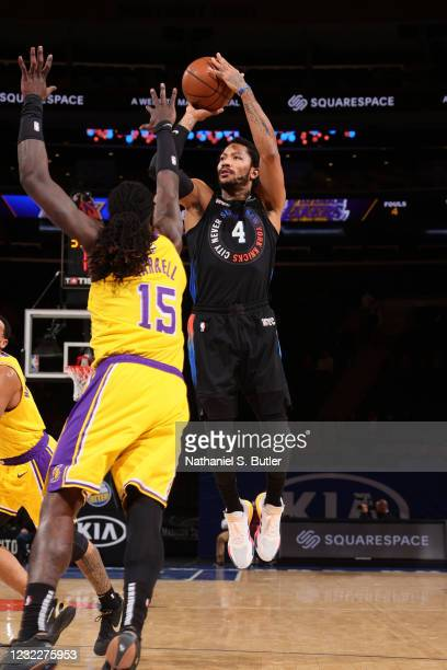 Derrick Rose of the New York Knicks shoots the ball during the game against the Los Angeles Lakers on April 12, 2021 at Madison Square Garden in New...