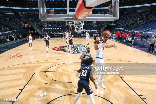 Derrick Rose of the New York Knicks shoots the ball during the game against the New Orleans Pelicans on April 14, 2021 at Smoothie King Center in New...
