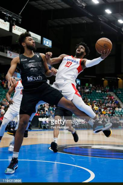 Derrick Walton Jr #10 of the Agua Caliente Clippers drives against Josh Reaves of the Texas Legends on January 14 2020 at Comerica Center in Frisco...
