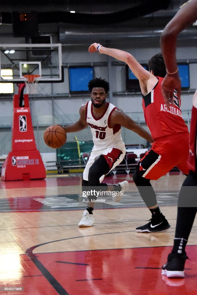 Derrick Walton Jr. #10 of the Sioux Falls Skyforce handles the ball during the game against the Windy City Bulls at the NBA G League Showcase Game 13 on January 11, 2018 at the Hershey Centre in Mississauga, Ontario Canada.