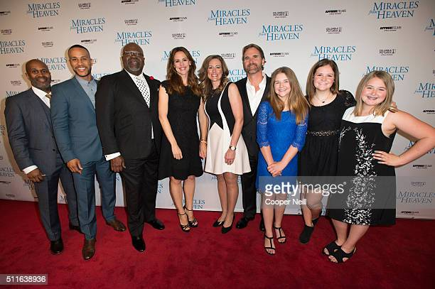 Derrick Williams DeVon Franklin TD Jakes Jennifer Garner Christy Beam Kevin Beam Annabel Beam Abbie Beam and Adelynn Beam pose for a photo on the red...