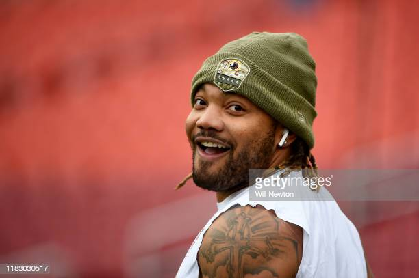 Derrius Guice of the Washington Redskins warms up prior to playing against the New York Jets at FedExField on November 17, 2019 in Landover, Maryland.