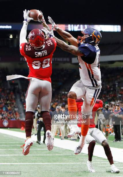DerronSmith of the San Antonio Commanders breaks up a pass intended for CharlesJohnson of the Orlando Apollos during the second half in an Alliance...