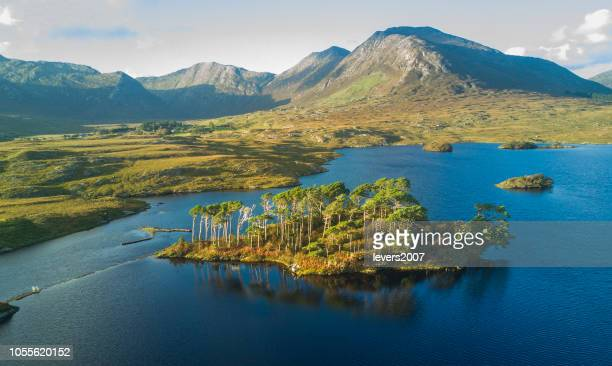 derryclare lough, connemara, galway, ireland. - county galway stock pictures, royalty-free photos & images