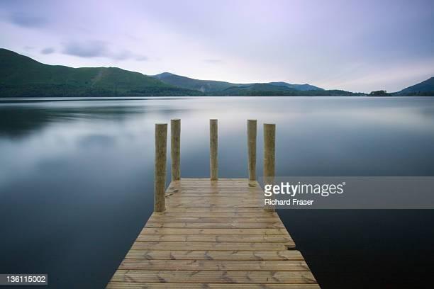 derwent waterssunset - derwent water - fotografias e filmes do acervo