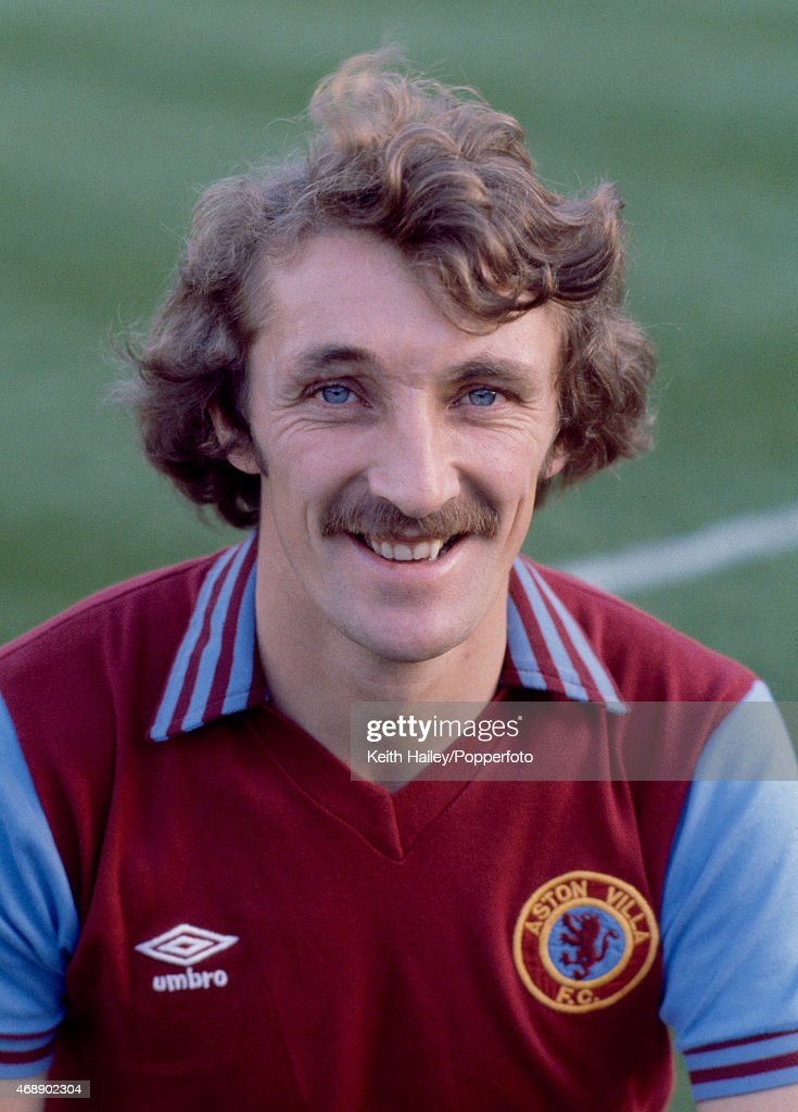 Des Bremner  -  Aston Villa : News Photo