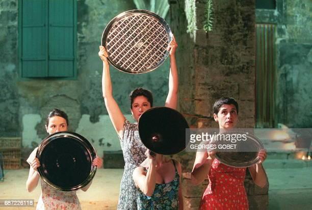 des comédiennes interprètent le 09 juillet lors d'une répétition une scène de 'Des Héros et des Dieux' d'après des hymnes homériques dans une version...