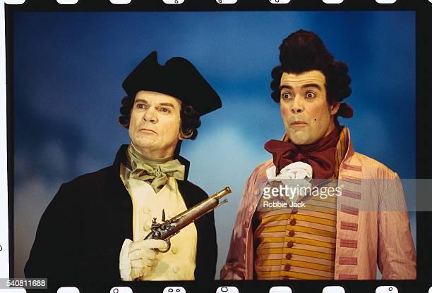 des mcaleer and robert portal on stage in the rivals - robbie jack stock-fotos und bilder
