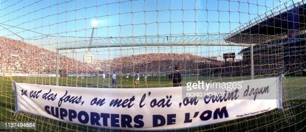des milliers de supporteurs marseillais encouragent leur équipe le 8 août au stade vélodrome de Marseille lors de la première journée du championnat...