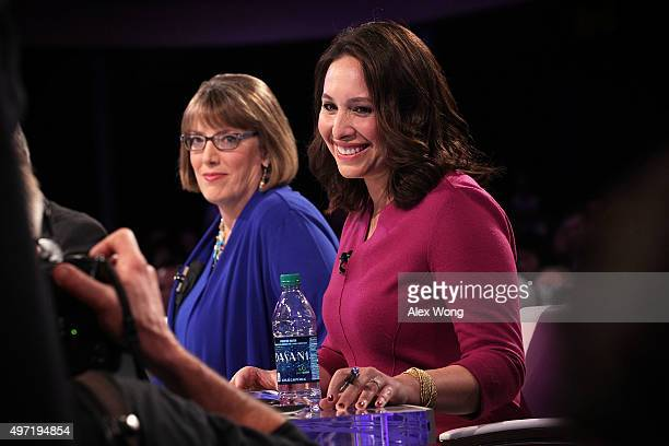 Des Moines Register political columnist Kathie Obradovich and CBS News Congressional Correspondent Nancy Cordes pose for a photographer prior to a...
