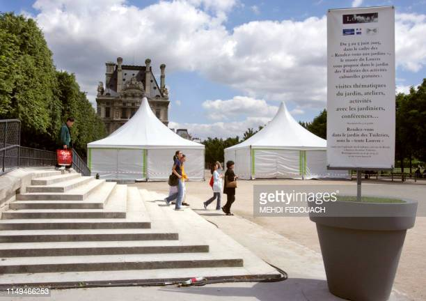World\'s Best Salon De Jardin Stock Pictures, Photos, and ...