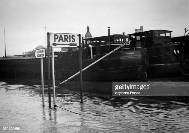 Des rues inondées, circa 1950 à Chalon-sur-Saône, France.