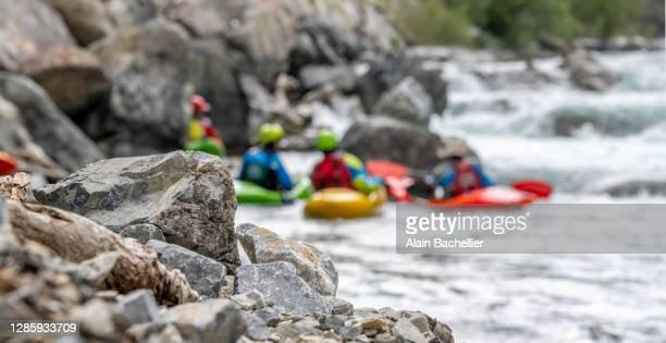 descente de rivière - alain bachellier photos et images de collection