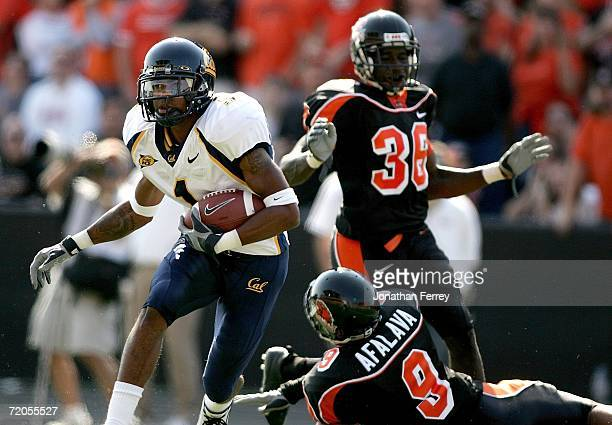 DeSean Jackson of the California Golden Bears makes a touchdown catch against Al Afalava of the Oregon State Beavers on September 30 2006 at Reser...