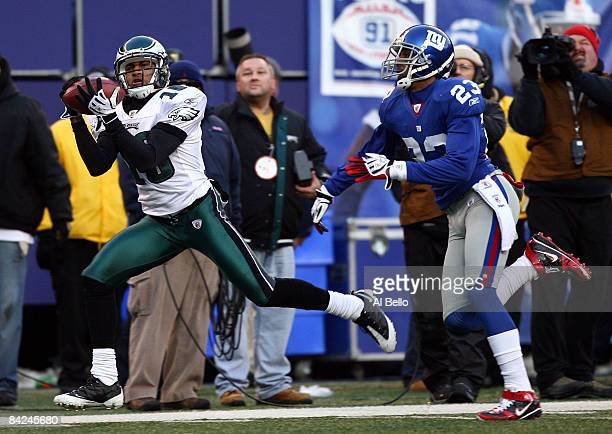 DeSean Jackson of the Philadelphia Eagles catches a pass in the fourth quarter against Corey Webster of the New York Giants during the NFC Divisional...