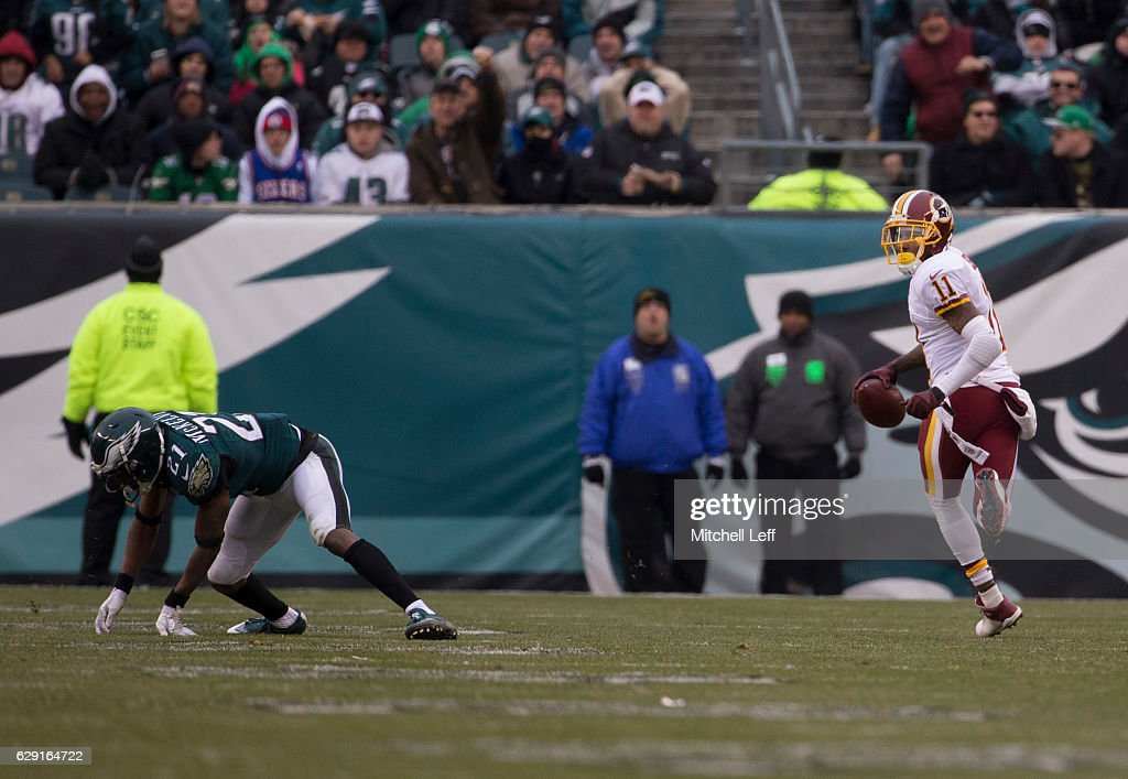 Washington Redskins v Philadelphia Eagles : News Photo