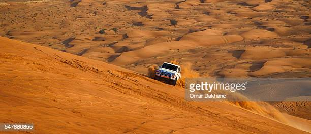 desert bashing - rally car racing stock pictures, royalty-free photos & images