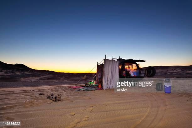 砂漠のキャンプ