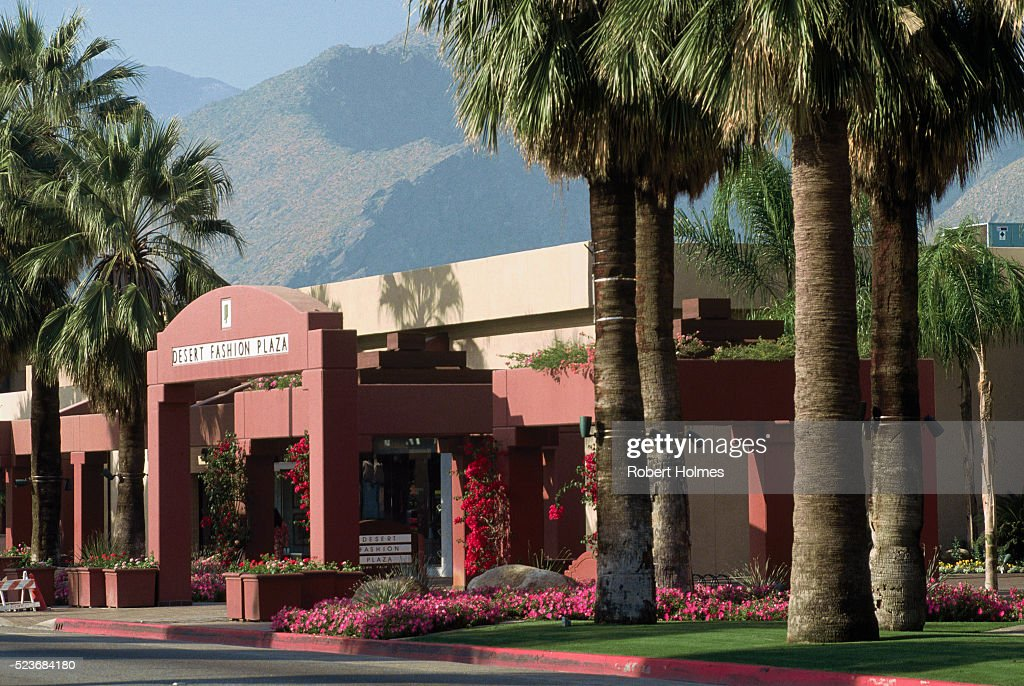 Desert Fashion Plaza In Palm Springs Stock Foto Getty Images