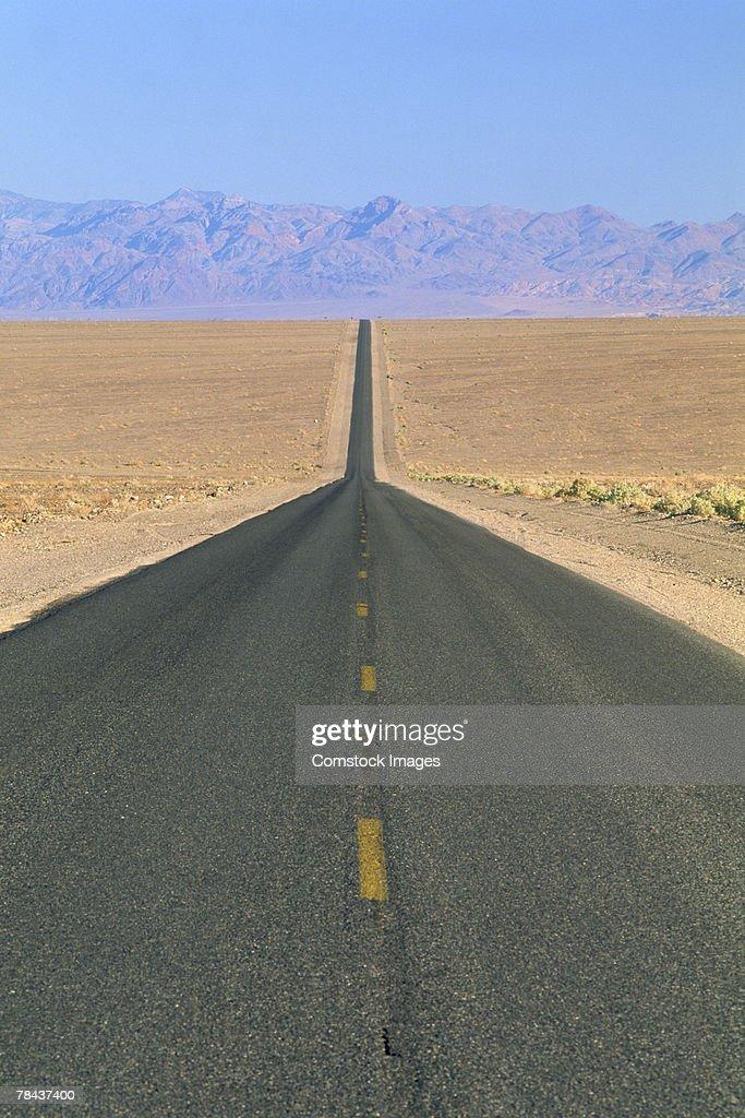 Desert highway : Stockfoto