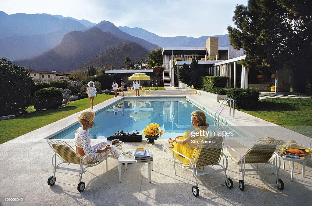 Poolside Glamour : Nachrichtenfoto