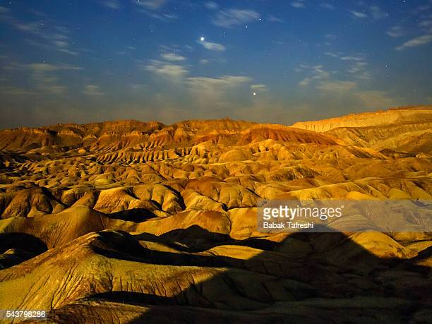 desert in full moon - isfahan stock-fotos und bilder