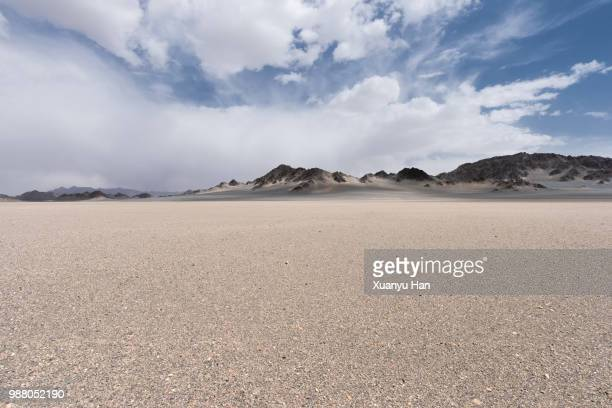 desert landscape - horizon over land stock photos and pictures