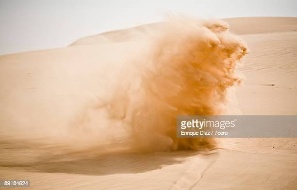 desert - dust stock pictures, royalty-free photos & images