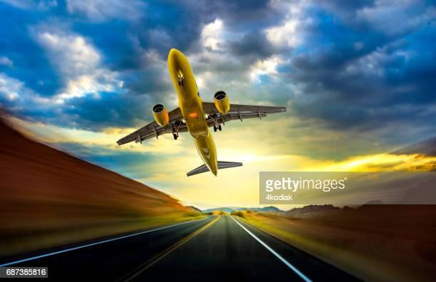 Desert Road et l'avion à l'heure de la soirée