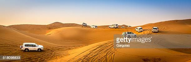 4wd desert safari in dubaî - rally car racing stock pictures, royalty-free photos & images