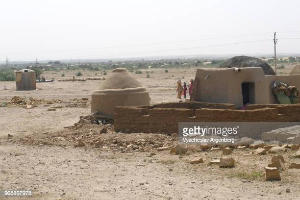 desert shacks in thar great indian desert some 20 km west of jaisalmer, india - argenberg stock pictures, royalty-free photos & images