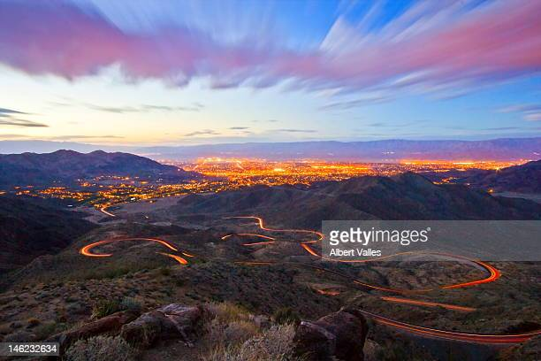 desert snake traffic light trails - palm springs stock-fotos und bilder