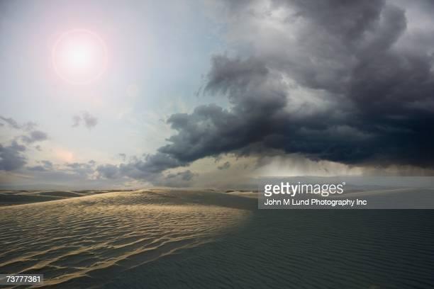 desert with storm clouds - wetter stock-fotos und bilder