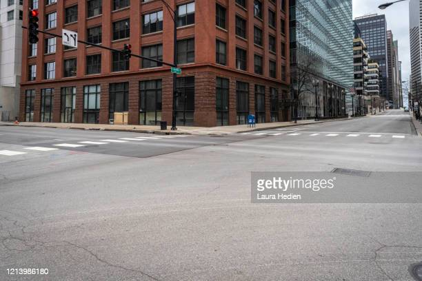 deserted chicago - stadsstraat stockfoto's en -beelden