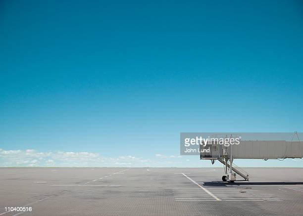 deserted gangway - airport stock pictures, royalty-free photos & images