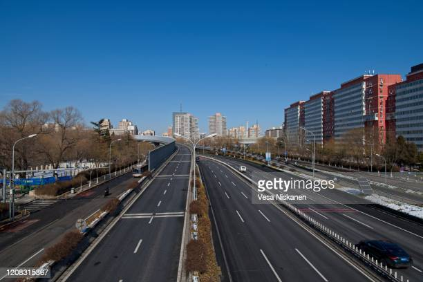 deserted road - empty city coronavirus stock pictures, royalty-free photos & images