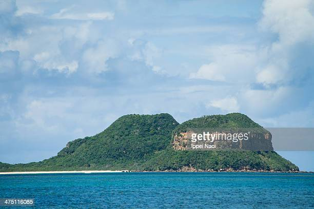 deserted tropical islands, okinawa, japan - ippei naoi stock photos and pictures