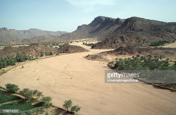 Desertscape Niger Tahoua Village Dried Up River Seasonal Rains Are Increasingly Unreliable In The Sahel Due Mainly To Climate Change