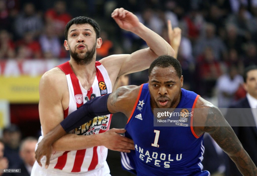 Olympiacos Piraeus v Anadolu Efes Istanbul - Turkish Airlines Euroleague Play Off Leg Two