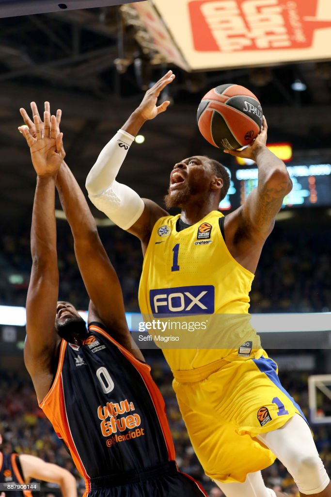 Deshaun Thomas, #1 of Maccabi Fox Tel Aviv in action during the 2017/2018 Turkish Airlines EuroLeague Regular Season Round 11 game between Maccabi Fox Tel Aviv and Valencia Basket at Menora Mivtachim Arena on December 7, 2017 in Tel Aviv, Israel.