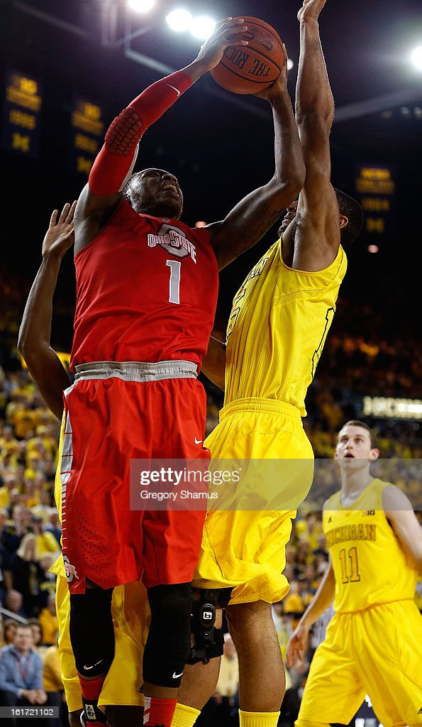 Deshaun Thomas #1 of the Ohio State Buckeyes heads to the basket against the Michigan Wolverines at Crisler Center on February 5, 2013 in Ann Arbor, Michigan. Michigan won the game 76-74 in overtime.