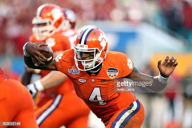 Deshaun Watson of the Clemson Tigers scores a touchdown in the second quarter against the Oklahoma Sooners during the 2015 Capital One Orange Bowl at...
