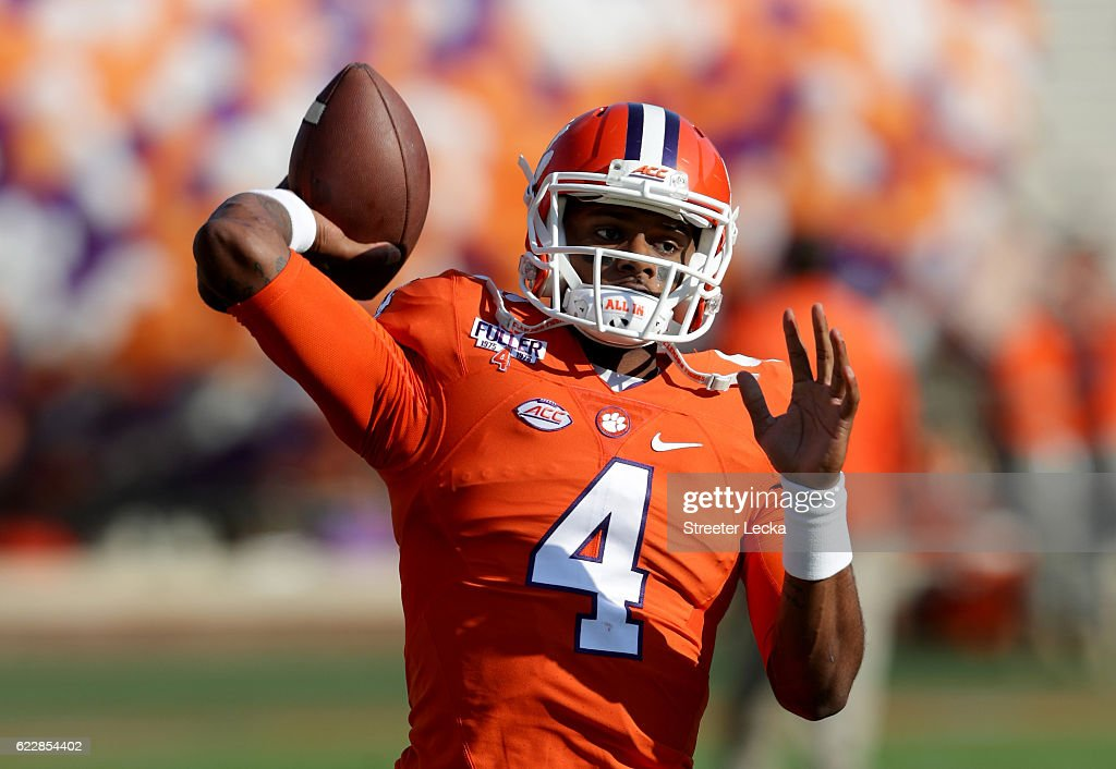 Deshaun Watson #4 of the Clemson Tigers warms up prior to their game against the Pittsburgh Panthers at Memorial Stadium on November 12, 2016 in Clemson, South Carolina.